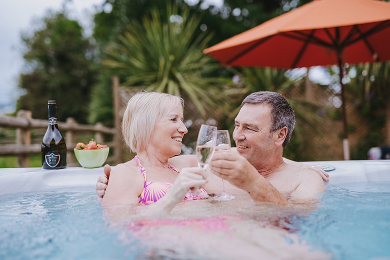 Holiday cottages with hot tubs