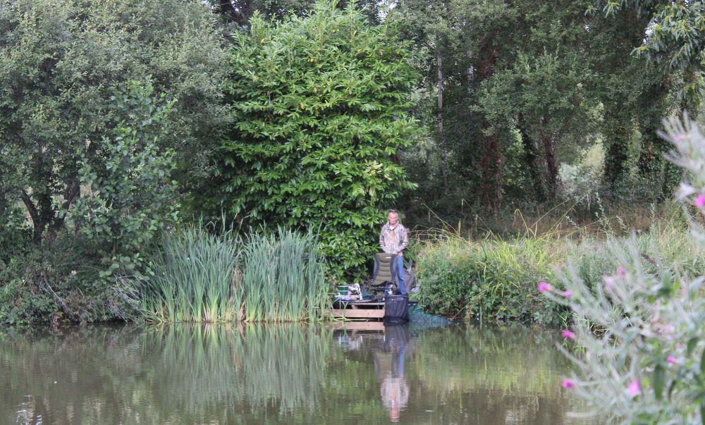 fishing lakes in devon