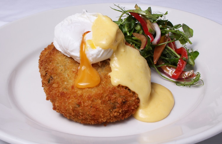 Cod Fishcake, Poached Egg & Hollandaise sauce