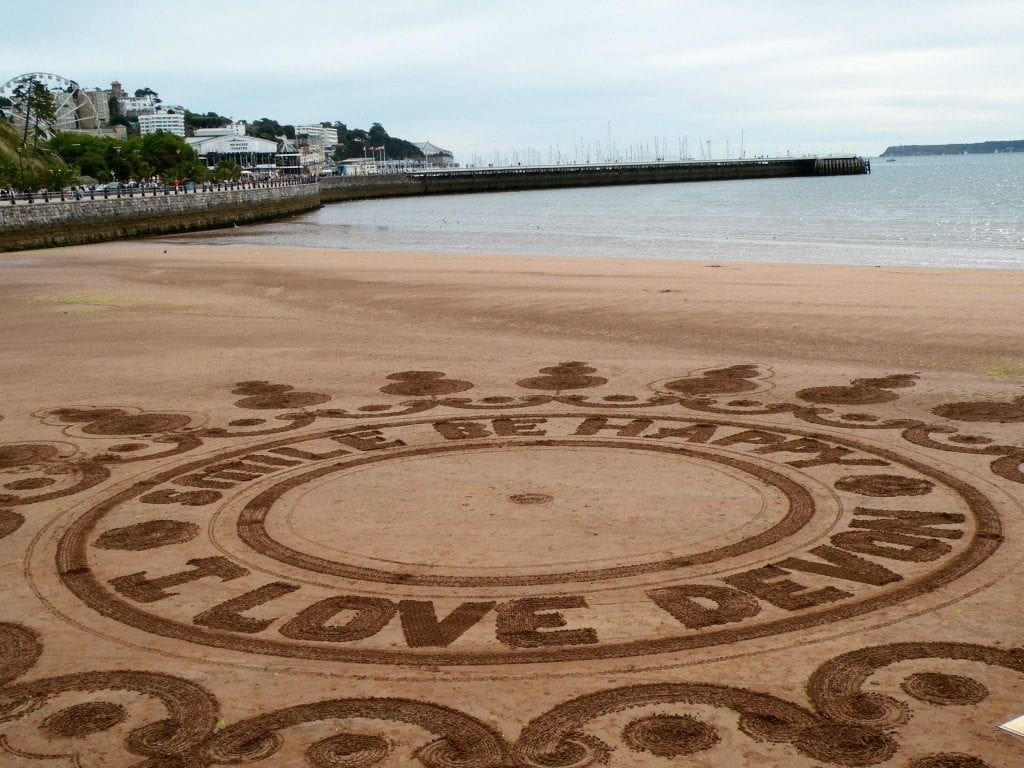 Sand art, best summer holiday activities for the kids in Devon...