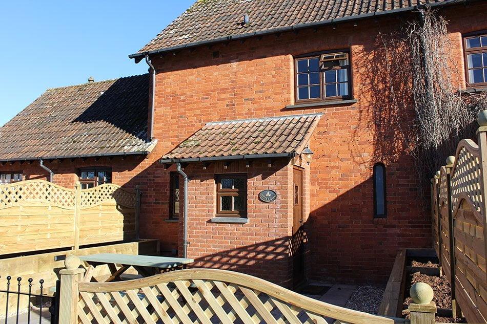 Middlewood Cottage Accommodation Image