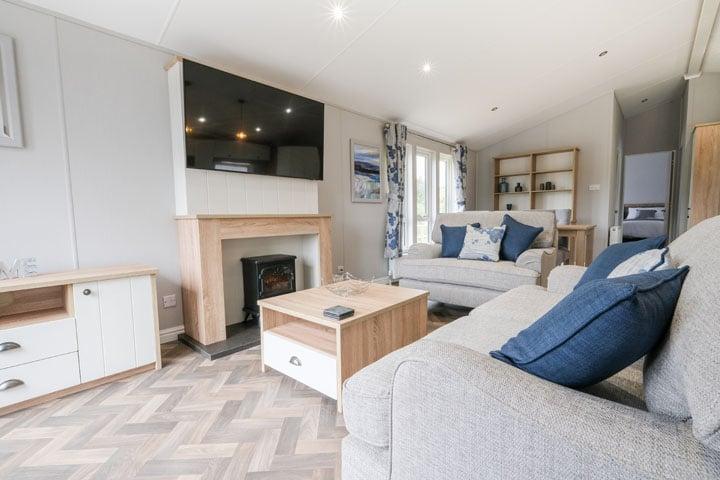 Kingfisher Dog Friendly Lodge Living Area